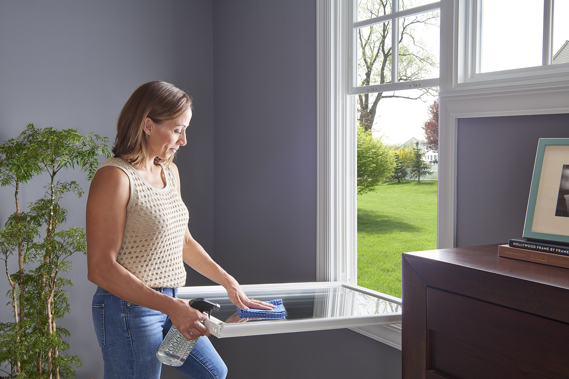 Cleaning double hung window
